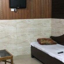 Hotel Singh in Meerut