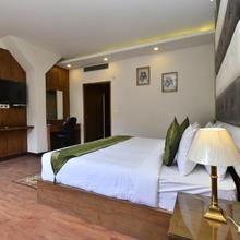 Hotel Snowcrests Manor in Manali