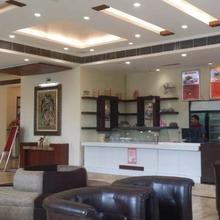 Hotel Solitaire Inn in Mansurpur