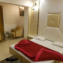 Hotel Solitaire in Moradabad