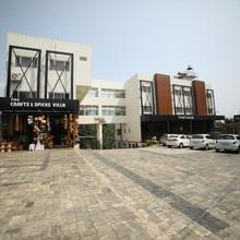 Hotel Soorya Castle in Meenangadi