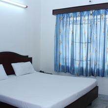 Hotel Soorya International in Chettipalaiyam