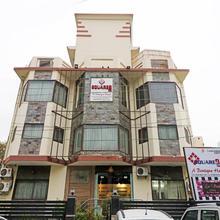 Capital O 1169 Hotel Square 9 Inn in Gurugram