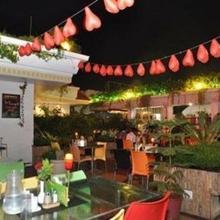 Hotel Sree Baalaaji Bhavan in Thadikombu