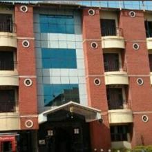 Hotel Sree Vijayalakshmi in Kudatini