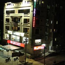 Hotel Sri Grands in Kovvur