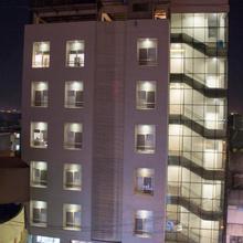 Hotel Sri Sri Executive Lodging in Kolhapur