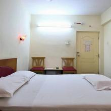 Hotel Sripada in Mustabada