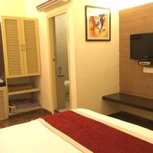 Hotel Status Club Business in Rawatpur