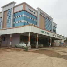 Hotel Suhana in Kadi