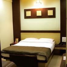 Hotel Sukhrup in Miraj