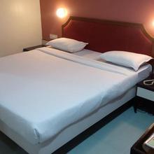 Hotel Sun Shine Inn in Vasai