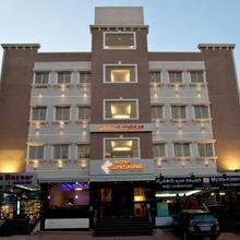 Hotel Sunshine in Narasimharaja Puram