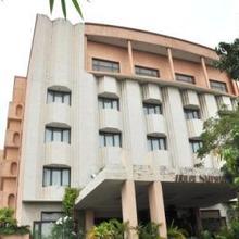 Hotel Surguru in Pondicherry