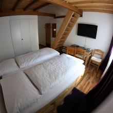 Hotel Surselva in Kastris