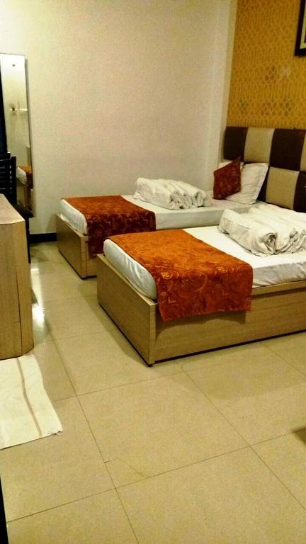 Hotel SV in Naukuchiatal