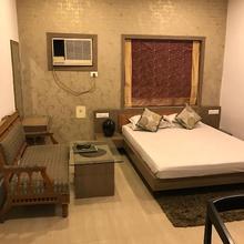 Hotel Swagath in Tangra