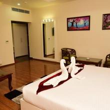 Hotel Swan in Mubarikpur