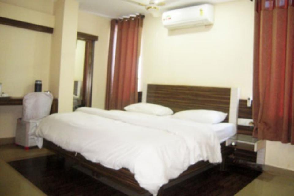 Hotel Swayam in Jabalpur