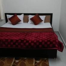 Hotel Tanishq in Kota
