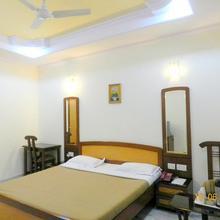 Hotel Tara Palace, Chandni Chowk in Dharoti Khurd