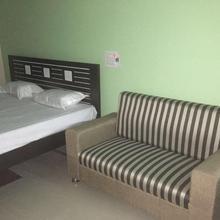 Hotel Tara Tower in Jhumri Taliya