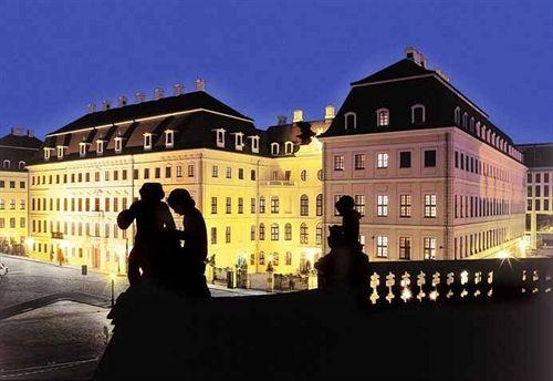 Hotel Taschenbergpalais Kempinski in Coswig