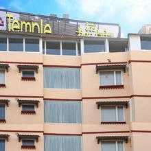 Hotel Temple Inn in Majitha