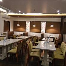 Hotel The Blossom in Sarigam