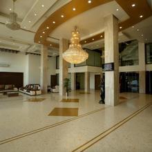 Hotel The Evergrand Palace in Khorana
