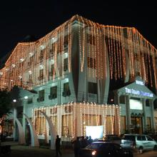 Hotel The Grand Chandiram in Dadhdevi