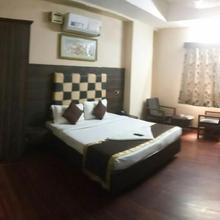 Hotel The Majestic in Akbarnagar