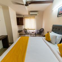 Hotel The Social Grand in Mohammadnagar