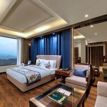 Hotel The Twin Towers in Shimla