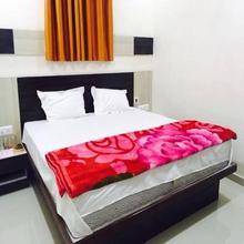 Hotel Tirth Palace in Gandhinagar