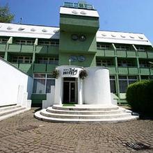 Hotel Tokaj & Restaurant in Madi Tanyak