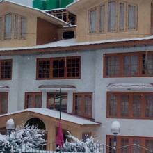 Hotel Tourist Palace in Pahalgam