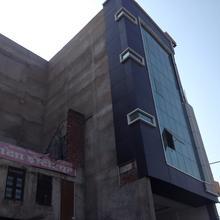 Hotel T.R. INN in Jyoti Khuria