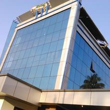 Hotel Travellers Inn in Aluva