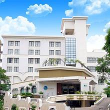 Hotel Tripur Sundari in Solapur