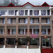 Hotel Triund in Badhun