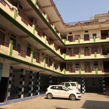 Hotel Tulsi Swaroop in Banda