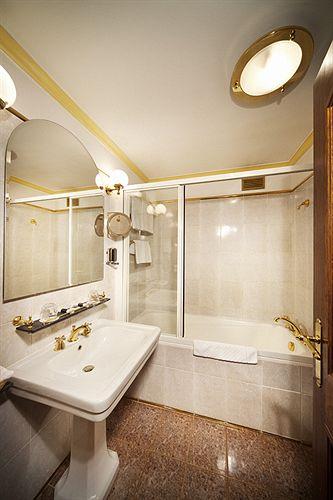 Hotel U Krale Karla in Prague