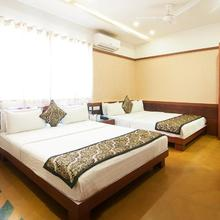Hotel Uddhav Vilas in Bedla