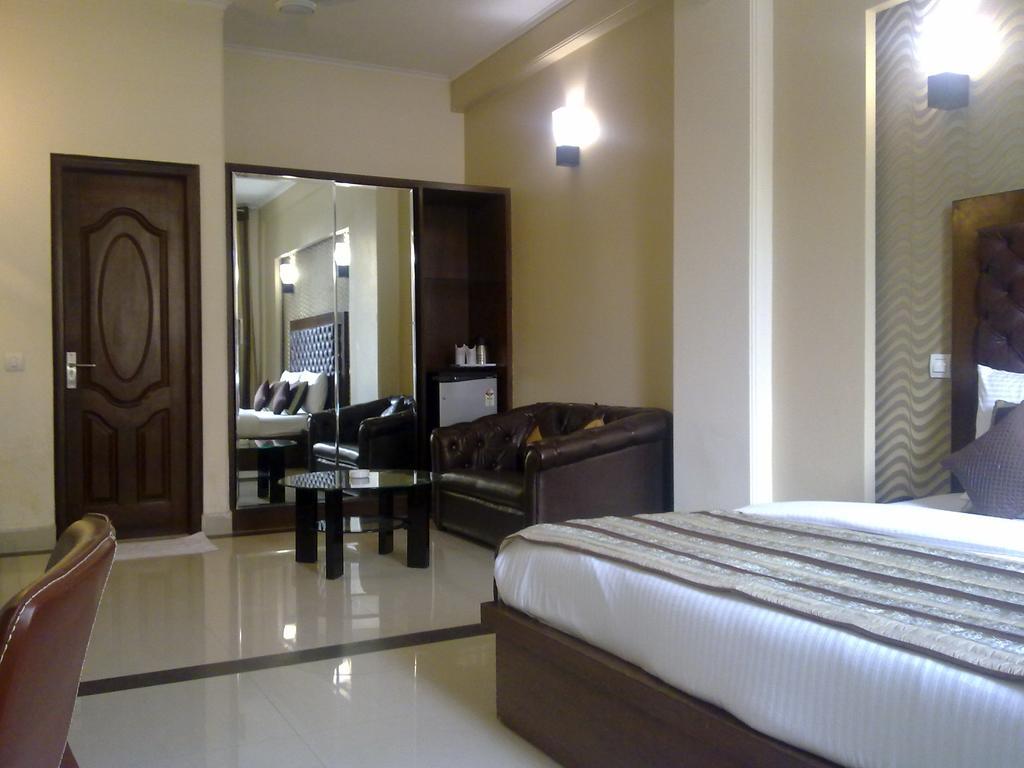 Hotel Uk in Kathgodam