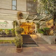 Hotel Uotel in Himayatnagar