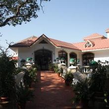 Hotel Usha Ascot in Neral