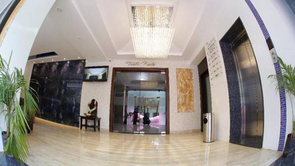 Hotel V Royal Park in Guntur