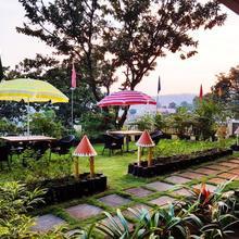 Hotel Valley Nest in Wai