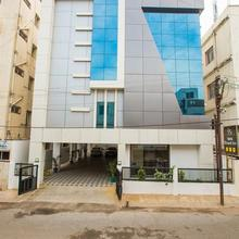 Hotel Vels Grand Inn in Coimbatore